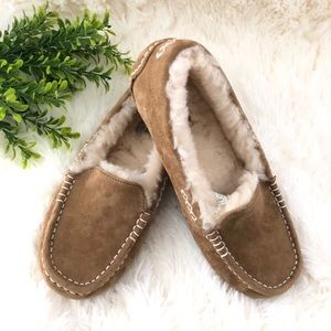 UGG Ansley suede wool lined moccasin slippers SZ 6